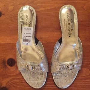 NEW Donald J Pliner BIBI sandal